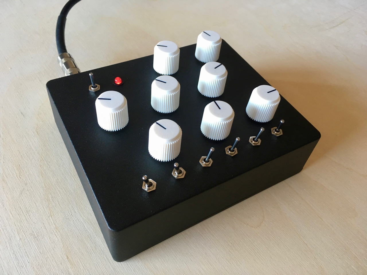 Maximal Drone  Handmade Electronic Instruments